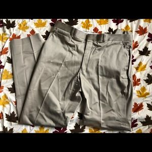 Perry Ellis Khakis size 36/32 Tailored Fit